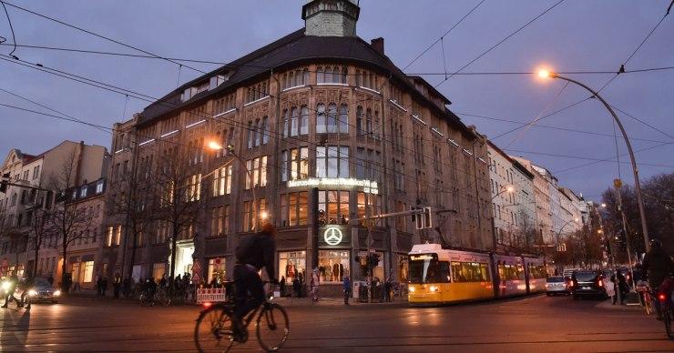 Mercedes-Benz_Fashion_Week_Kaufhaus_Jandorf-9210b41216f71415.jpg